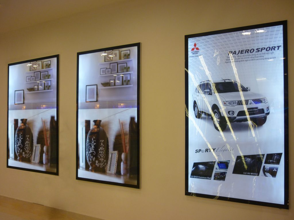 In và thiết kế vật dụng cho quảng cáo, hội chợ