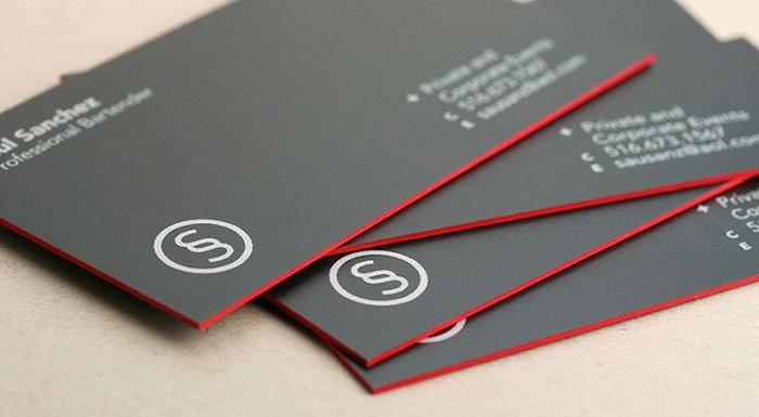 Card visit thiết kế màu đen sang trọng